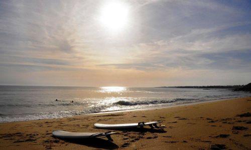 surfs sur la plage à Fort Bloqué morbihan